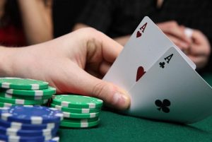 Important Information In Playing Online Poker Betting